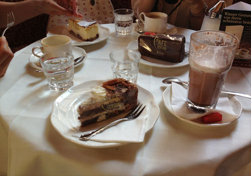 140814-cafe-central